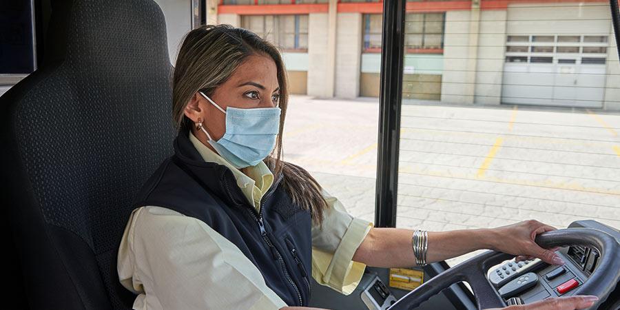 Wynajem autobusów proaktywne kształtowanie transportu